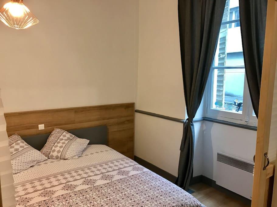 Design et confort id alement situ place graslin appartements en r sidence - Location hangar nantes ...