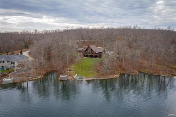 Beautiful Innsbrook Home on Lake Alpine