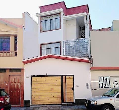 Habitación privada independiente , centro Chiclayo