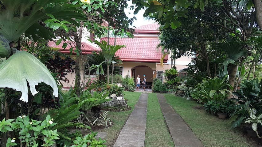 Lovely rural house near the beach. - Davao City - House