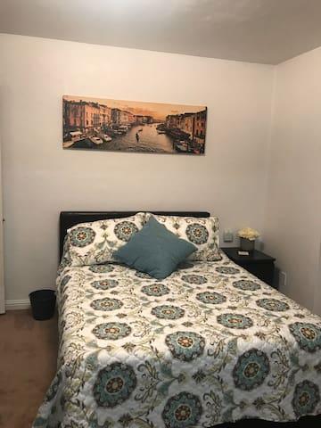 Cozy Studio Apartment in Eureka