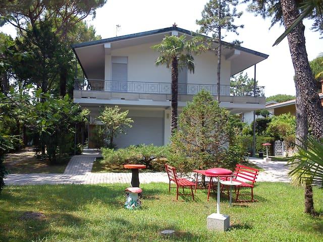 Spazioso appartamento nel verde a 500 mt dal mare - Lignano Sabbiadoro