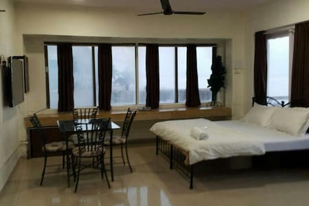 Sea View Room on the shore of Juhu Beach - Mumbai - Leilighet