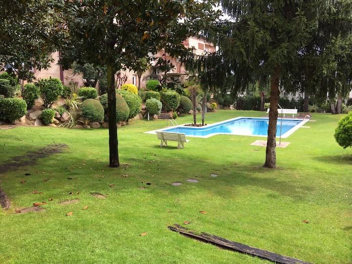 Planta baja/Estudio con piscina