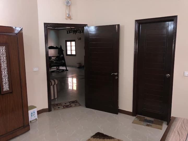 VERY NEAT & CLEAN HOUSE ON MAIN ROAD IN POSH AREA.