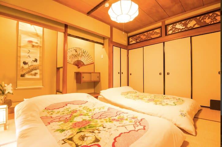 140cm×2  ダブルサイズベッド  140cm×2  double size bed.  卧室2,140厘米×2双人床。