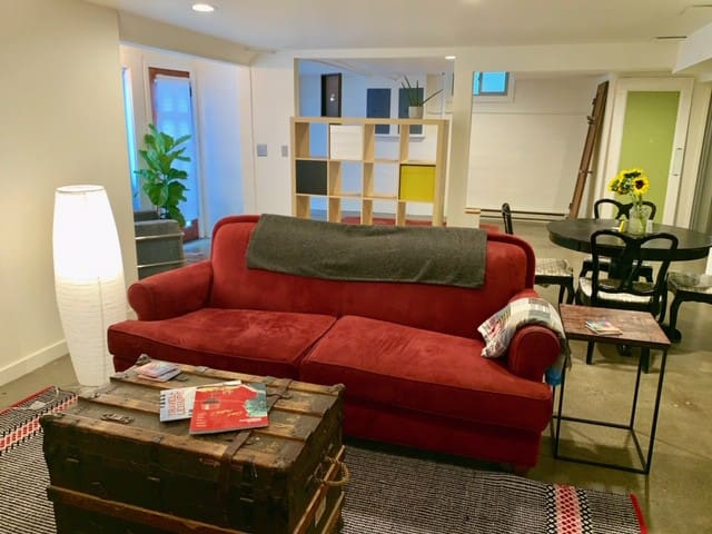*NEW* Beautiful Studio in the Heart of the City