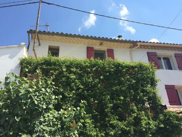 Maison provençale au coeur des Gorges du Verdon - Saint-Julien - Rumah
