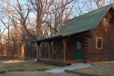 Little Cabin in the Woods - Great for Staycation!