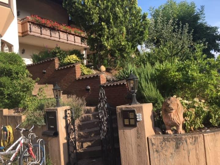 gemütliche Ferienwohnung mit eigenem Außenbereich