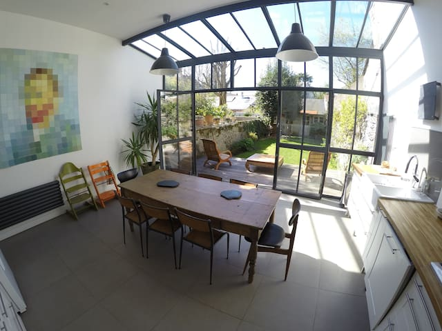 Maison 1900 renovée angers centre/proche gare150m2 - Angers - House