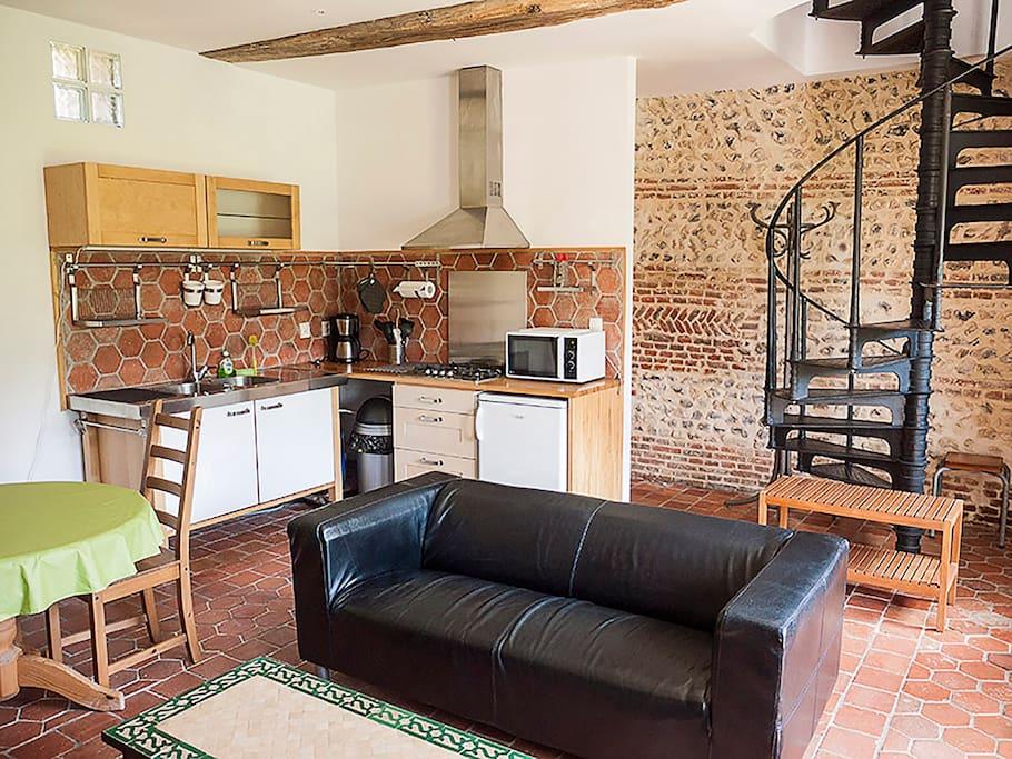 g te tr s jolie petite maison cottages for rent in saint martin le gaillard normandie france. Black Bedroom Furniture Sets. Home Design Ideas
