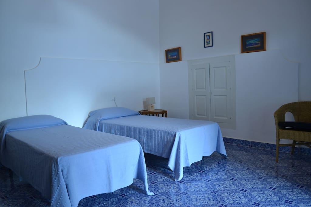 altra camera da letto con 4 posti letto