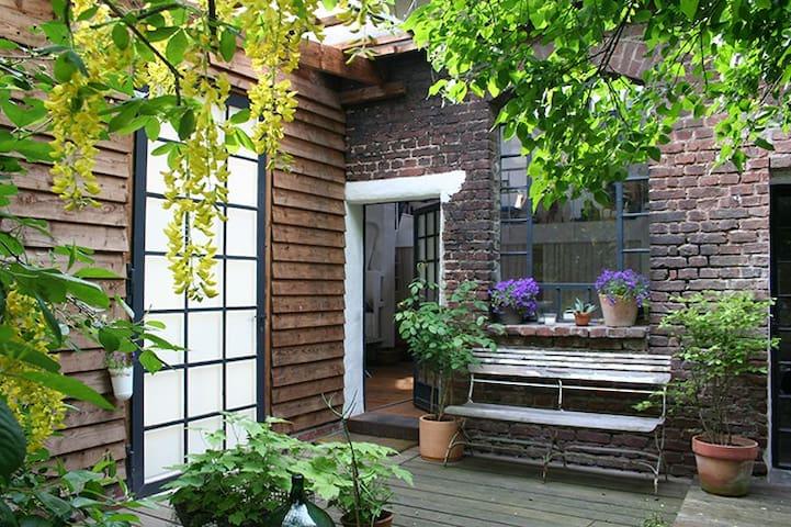 Privatzimmer in 110 qm Loft auf Künstlergelände - Colonia - Loft