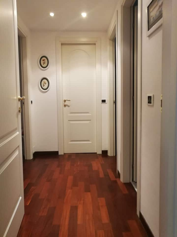 affitto stupenda camera solo a donne .sanificata