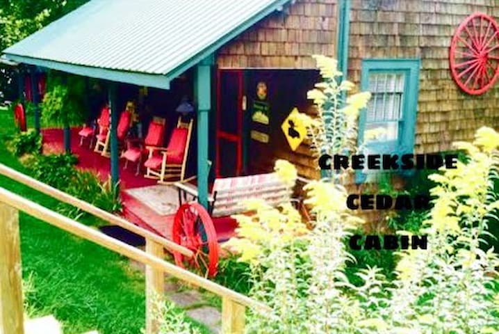 Creekside Century'Old Cedar Cabin- HotTub- K.Bed