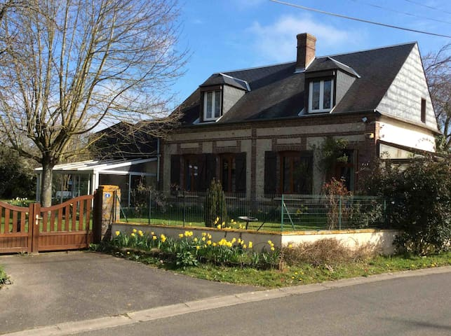 Charming farmhouse in quiet town near Evreux - Saint-Luc - Rumah