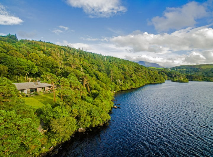 CARAGH LAKE HOUSE - Message for discounts!