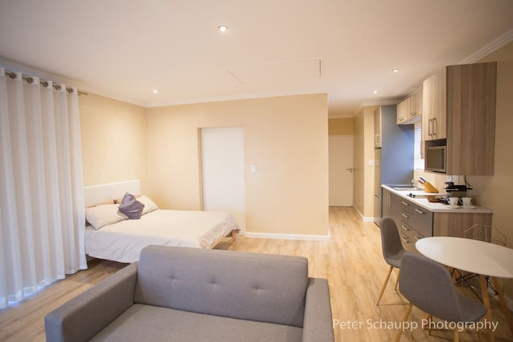Modern Self Catering Studio Apartment