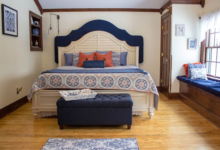 Stylish comfort in a spacious B&B. - Leonard - Aamiaismajoitus
