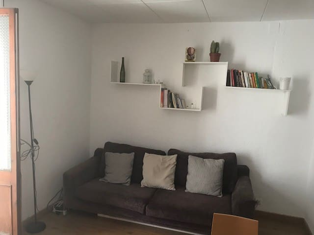 Two double bedrooms in the center of BCN