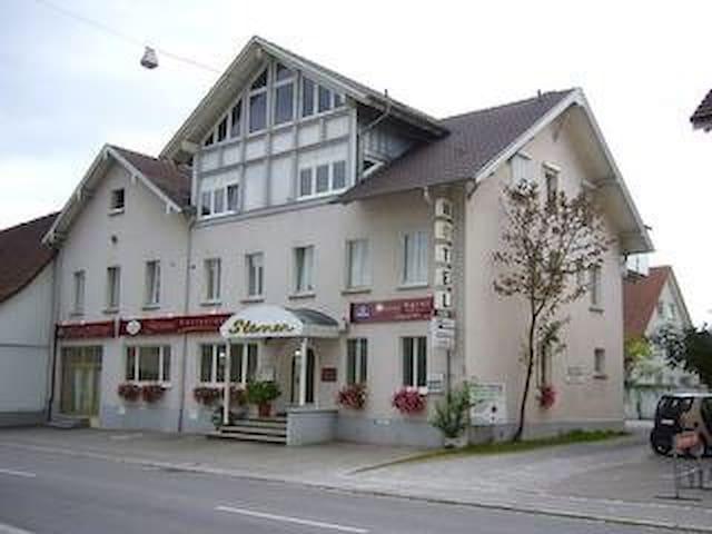 Doppelbett Zimmer/ Double Bedroom - Radolfzell am Bodensee - ที่พักพร้อมอาหารเช้า