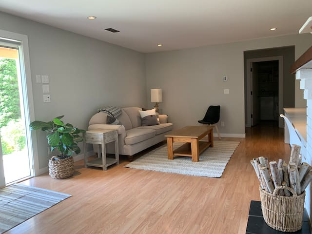 Bright 900 square foot Private Suite with Patio