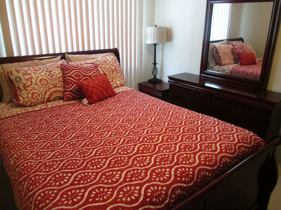 Queen size bed and drawer