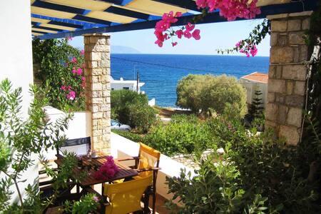 Fyri Ammos Residences - Agia Pelagia