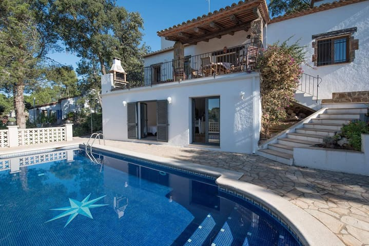 House for holiday rent in Begur with pool and wifi
