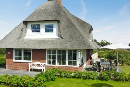 Sunny house 400m from the beach - Sylt - Talo