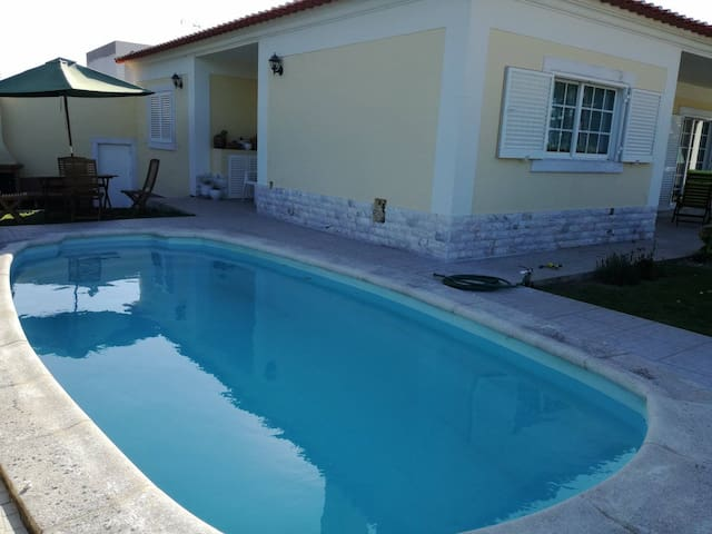 Villa with pool for 6pax @Lagoa De Albufeira