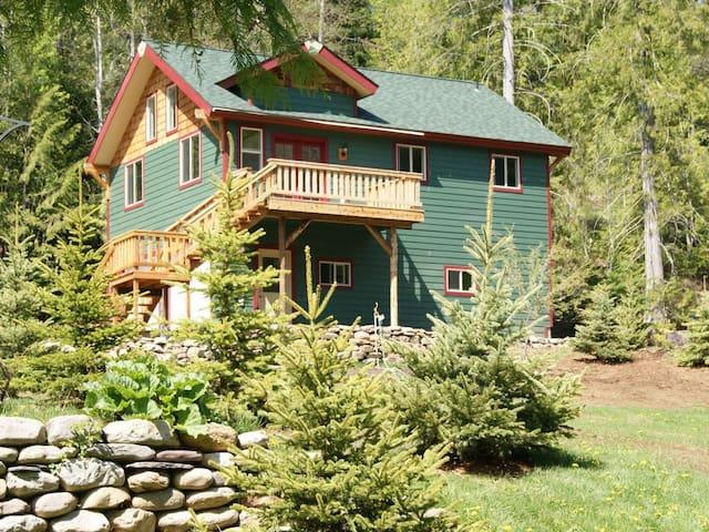 Bull Lake Montana Waterfront Home & Cabin