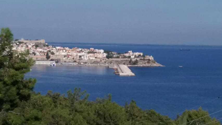 COMFORTABLE HOUSE WITH BEAUTIFUL VIEW