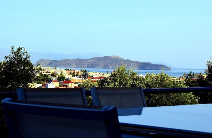 Melposhouse,seaview, 3bd, 3ba,luxury,stylish home.