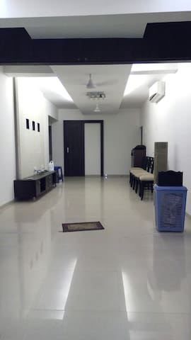 2nd floor Apartment No Elevator!!!! - Navi Mumbai - Apartment