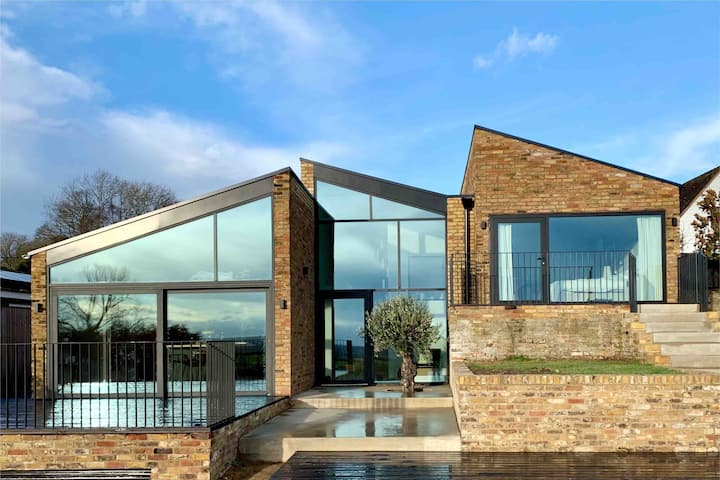 Contemporary Slice of Heaven in Long Crendon