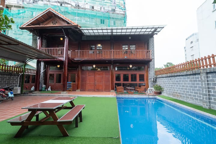 Villa Vintage In D2,6 Brs,5 Bath,Big Pool, Karaoke