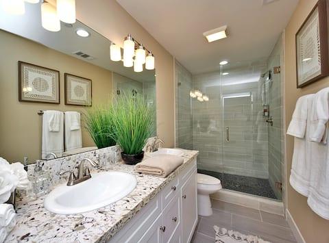 BRAND NEW - Luxury Beach House w/ Rooftop Retreat!