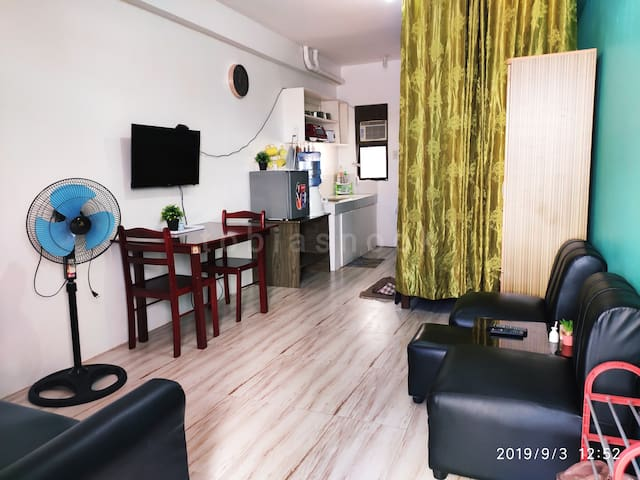 2 Fully-Furnished Studio/Unli WiFi/Netflix/Parking