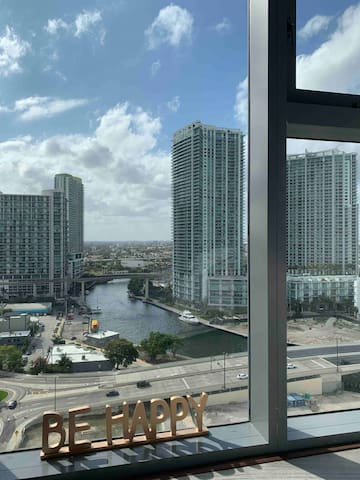 Room with a view in the center of Brickell