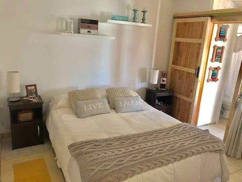 Dormitorio privado en acogedora casa en Mirasol