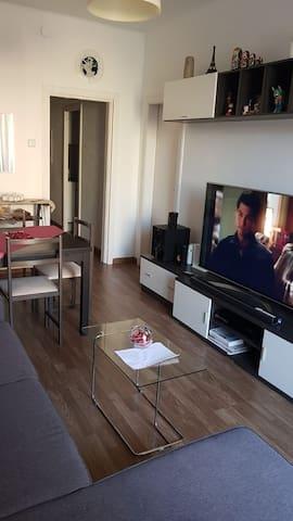 Habitación cómoda la sagrada familia