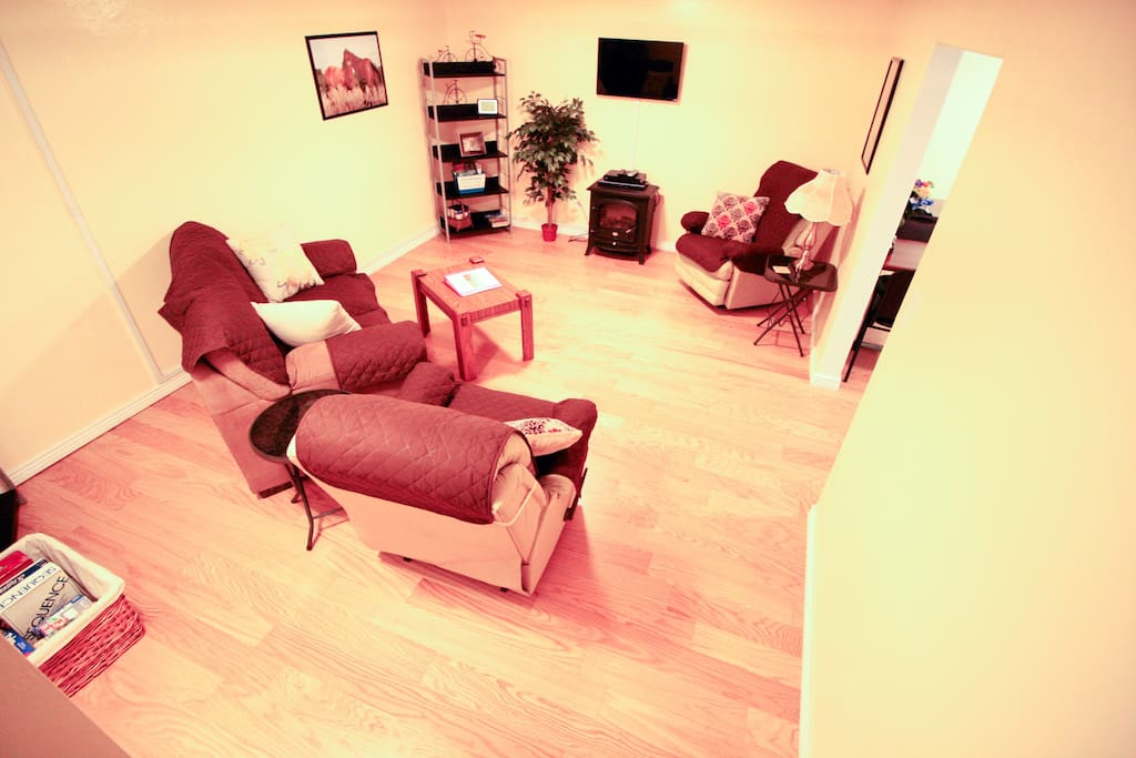 Living room: Just so you can kick back and relax after a long day of driving or sightseeing!