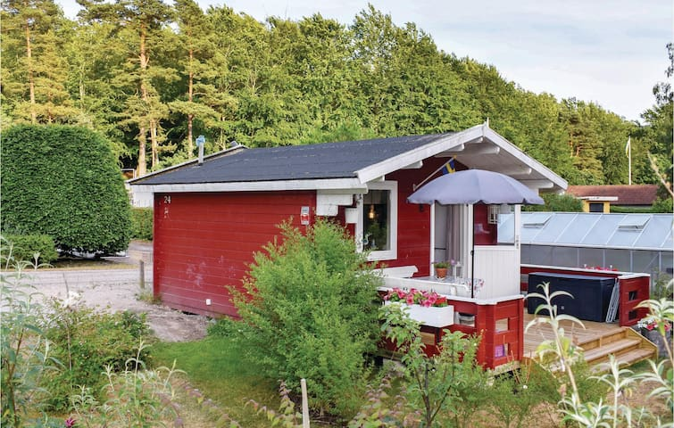 Holiday cottage with 1 room on 15m² in Nättraby