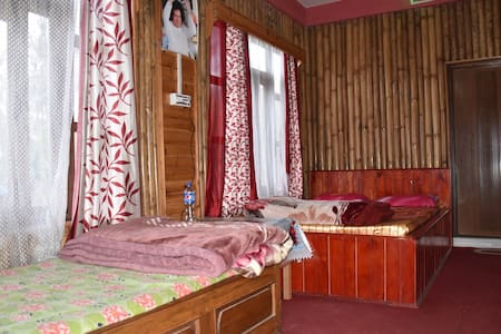 Charkhole Homestay (Triple Room)-Heaven on Earth