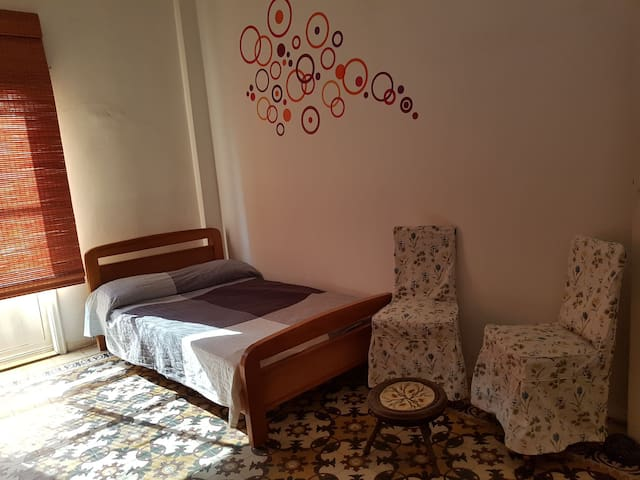 1 Spacious bedroom in the heart beirut