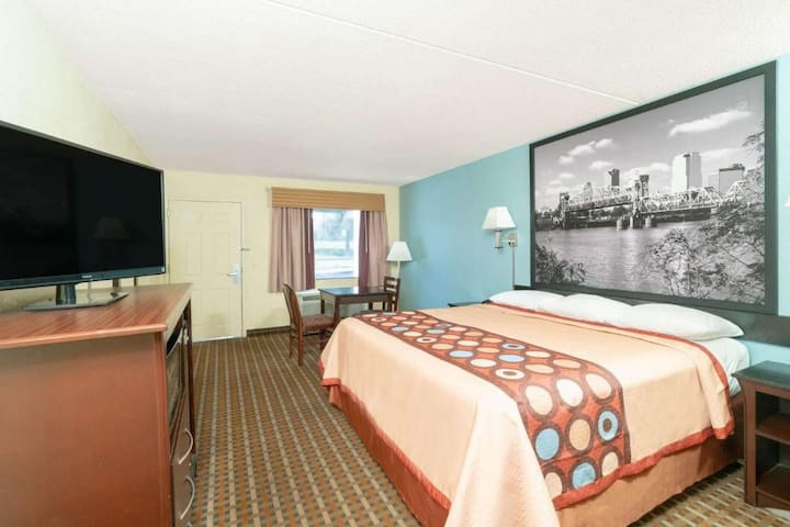 ♔♔♔ Grand Double Bed At Airport Area ♔♔♔