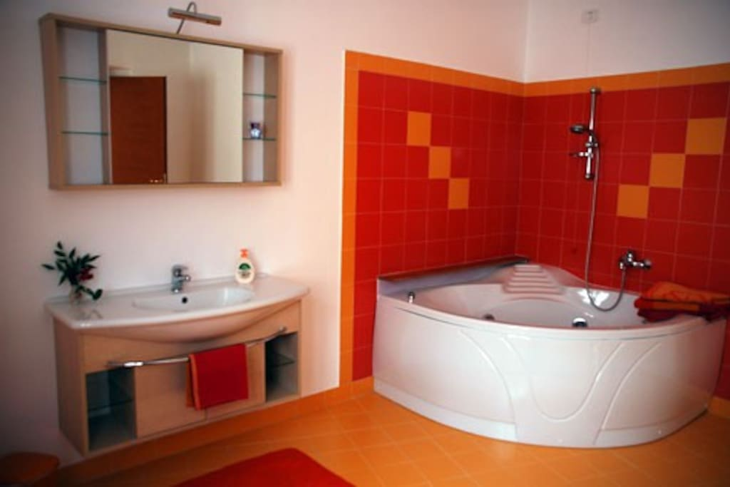 Bagno privato, con vasca idromassaggio