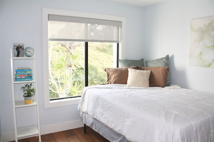 Cozy private bedroom in the heart of San Clemente